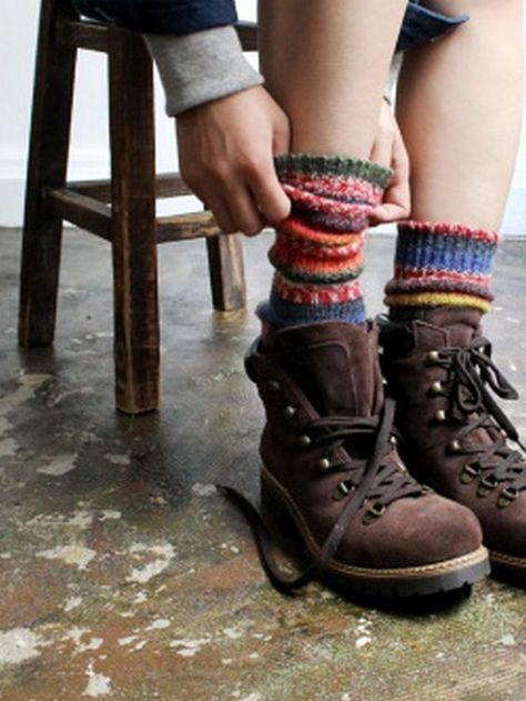 These multi-colored knit, wool socks are the perfect addition to your next hiking outfit. Moda Vintage, Vintage Hats, Vintage Sweaters, Wool Socks, Knitting Socks, Climbing Outfits, Mein Style, Mode Streetwear, Mori Girl