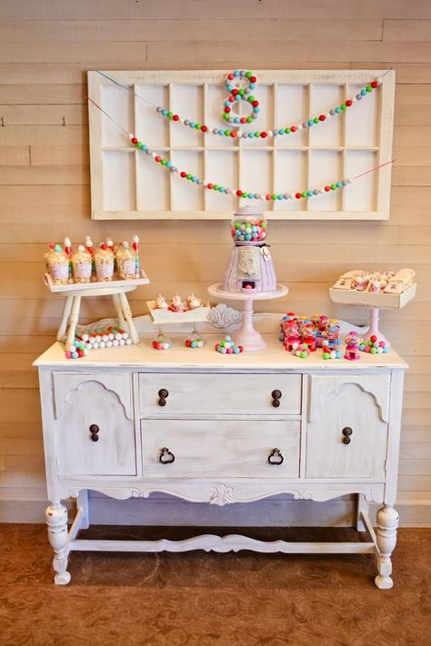The sweetest gumball bubblegum themed 8th Birthday Party with Lots of REALLY CUTE Ideas via Kara's Party Ideas | KarasPartyIdeas.com #Gumballs #Party #Ideas #Supplies #cakepops #bubblegum #cookies #gumballmachine