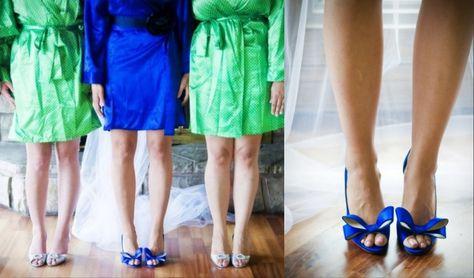 senoritas dyed blue?