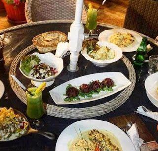 السياحة في العالم العربي مطعم ارمين الخبر أشهر الأطباق الموجودة Table Settings