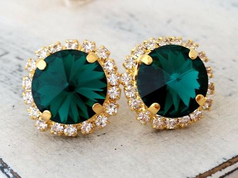 #weddings #jewelry #earrings #bridesmaidgift #bridalearrings #vintageearrings #bridesmaidsearrings #swarovskiearrings #statementearrings #crystalstudearring #weddingjewelry #swarovskicrystal #goldcrystalstuds #emeraldstuds #emeraldgreenstuds