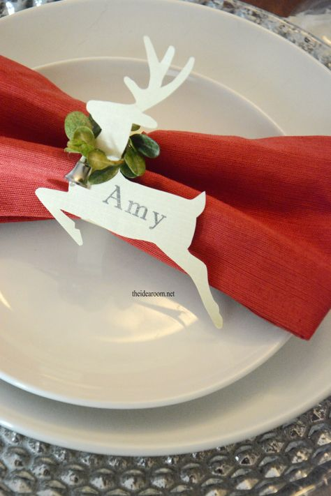 DIY Reindeer Place Cards for holiday tables
