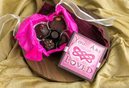 10 Vegan Valentines Day Gift Ideas | Rose petals, Vegans and Chocolate