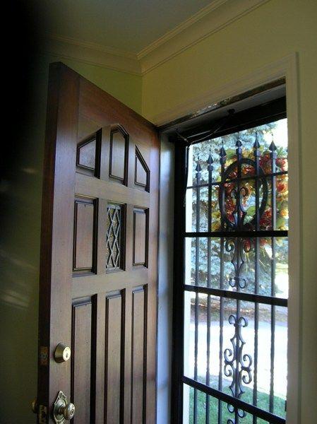 二重の玄関ドア 玄関 玄関ドア ガラスドア