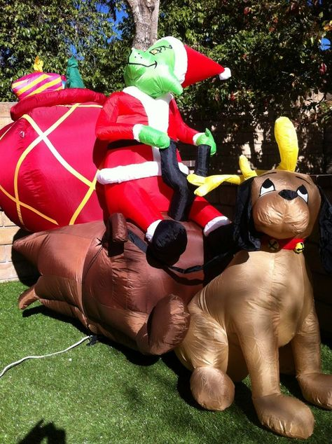 AIRBLOWN CHRISTMAS INFLATABLE - THE GRINCH