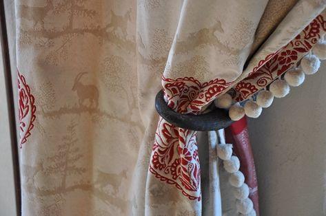 100/% Algodón Navidad Quilting fabric Holly Bayas Negro-Himno a la alegría