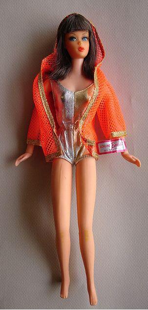 Living Barbie in Original Outfit (photo:  tusabesblythe on Flickr)