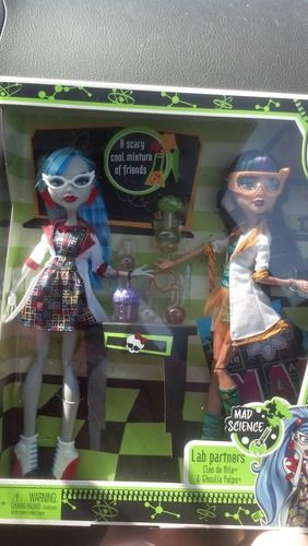 e520db33bcdb Amazon.com   Monster High Mad Science Cleo De Nile   Ghoulia Yelps 2-Pack    Fashion Dolls   Toys   Games