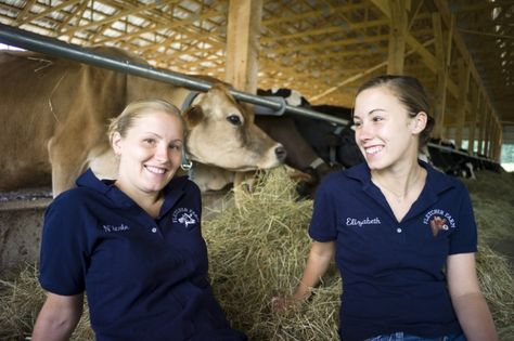 Nicole & Elizabeth Fletcher! #ontheblog we honor the women farmers of our #dairy #cooperative #likeagirl #farmlove #farm365