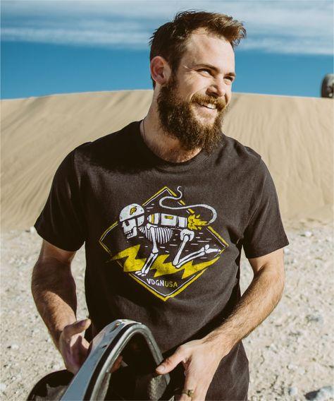 Vardagen  Apparue en 2009, Vardagen (aka VDGN) est une boutique/marque de Indianapolis inspirée par la vie de tous les jours. Pas de thème ou de philosophie particulière, mais un rayon bien fourni avec une cinquantaine de t-shirts aux illustrations soignées. Il y en a pour les hommes, les femmes et même pour les enfants…  http://www.grafitee.fr/tee-shirt/vardagen/  #Vardagen #Tshirts #USA #fashion #trends