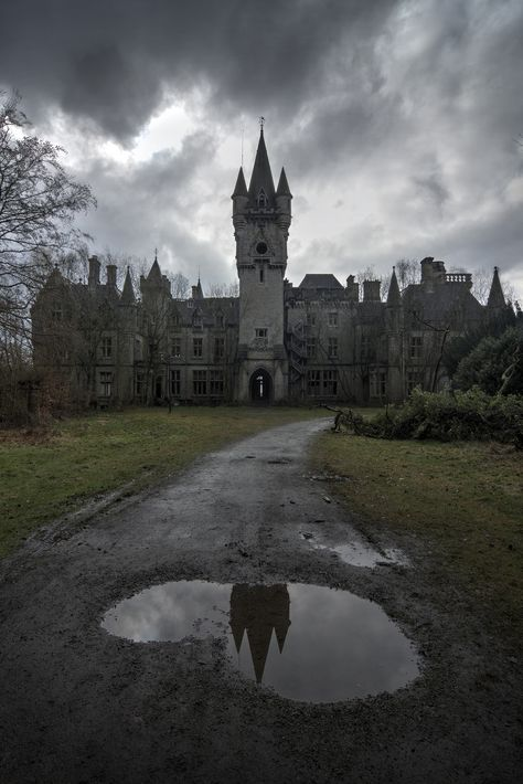 Abandoned Miranda Castle, also known as Noisy Castle in Celles, province of Namur, Belgium. Old Castle Architecture. Abandoned Buildings, Abandoned Property, Abandoned Castles, Abandoned Mansions, Old Buildings, Abandoned Places, Abandoned Belgium, Beautiful Castles, Beautiful Buildings