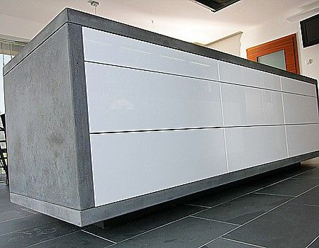 Grifflose Kücheninsel, hochglanz weiß, mit Betonarbeitsplatte ... | {Arbeitsplatte hochglanz weiß 15}