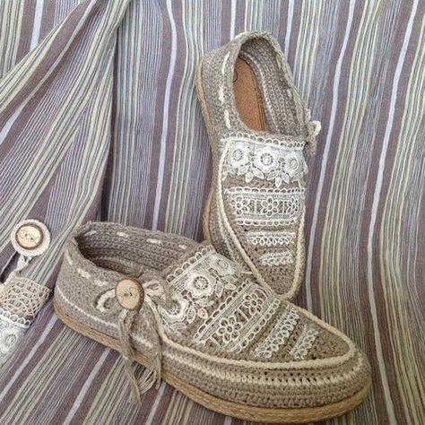 Красивая удобная и легкая обувь, связанная крючком. Вязаная обувь - вязаные мокасины. Вязаная обувь из льна.