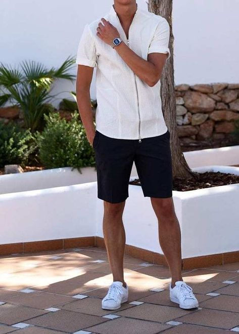 7 Classy Outfits To Be The Most Stylish Man At A Boat Party