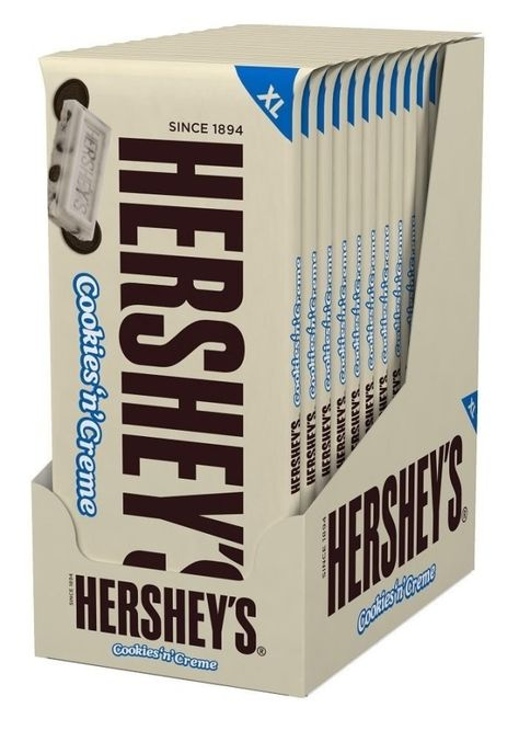 HERSHEY'S Extra Large Cookies 'n' Creme, Bar, Pack of these are delicious. can't help it. love cookies n cream with pieces of chocolate cookie in them. Riesen Cookies, Fini Tubes, Hershey's Cookies N Cream, Gourmet Recipes, Snack Recipes, Kosher Candy, Hershey Cookies, Filled Candy, Hershey Chocolate