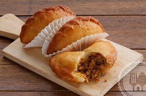 Resep Membuat Kue Panada Pedas Isi Ikan Khas Manado Resep Kue Makanan Dan Minuman Resep Masakan Indonesia