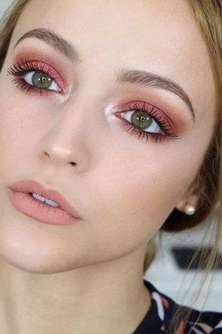 Too Faced Nous Donne La Pêche Maquillage Yeux Verts Maquillage Naturel Yeux Vert Maquillage Yeux Rouges