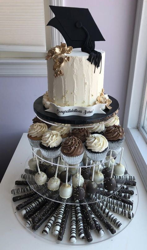 Wonderful Graduation Party Decoration Ideas You Need To Know; Graduation Party Desserts, Outdoor Graduation Parties, Grad Party Decorations, Graduation Party Planning, College Graduation Parties, Graduation Cupcakes, Graduation Celebration, Graduation Party Decor, Grad Parties