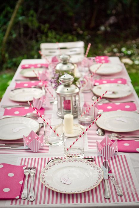 love the combo of stripes & polka dots for a spring tea or luncheon!