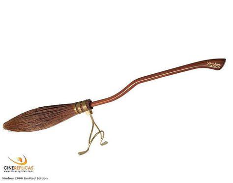 Replica Escoba Harry Potter Nimbus 2000 Escala 1 2 88cm With