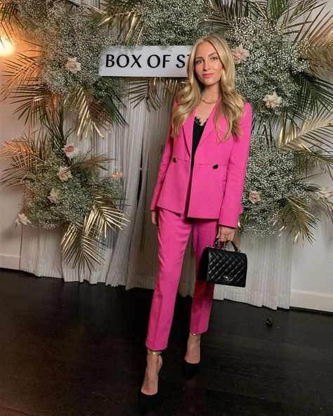#pinksuit #blogger #style #springstyle #eventstyle
