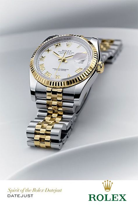 Rolex Datejust in steel and yellow gold with a fluted bezel, a white dial and Jubilee bracelet. Rolex Datejust in steel and yellow gold with a fluted bezel, a white dial and Jubilee bracelet.