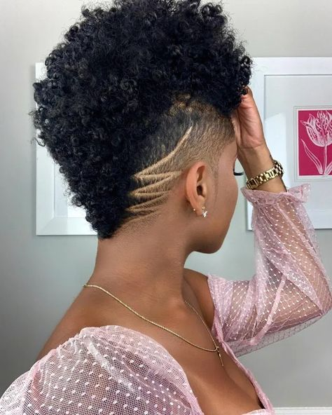 Low Cut Hairstyles, Natural Hair Haircuts, Shaved Side Hairstyles, Gorgeous Hairstyles, Undercut Natural Hair, Cute Short Natural Hairstyles, Natural Hair Braids, Trendy Hairstyles, Tapered Natural Hair Cut