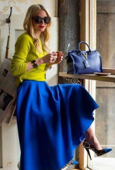 Falda Larga Azul Outfits Azul Marino Azul Electrico Como Combinar Una Falda Larga Azu Con Amarillo Moda Faldas Ropa Moda Estilo