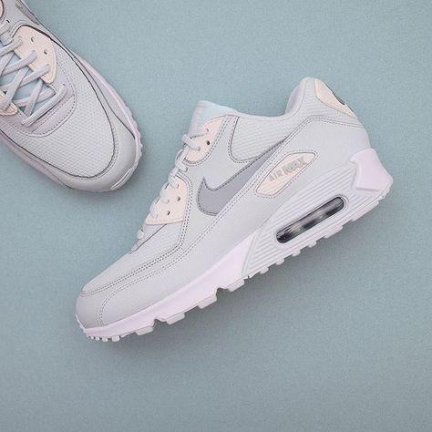 23097de2a26b Nike Wmns Air Max 90 - 325213-053 •• Ni finner över 100 olika  färgställningar på Air Max 90 på www.footish.se