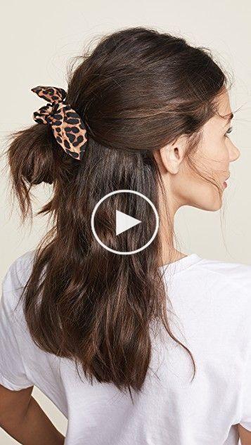 Dunkler Leopard Scrunchie In 2020 Short Hair Styles Easy Cute Hairstyles For Short Hair Hair Styles