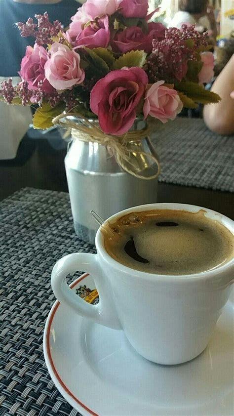 Frases Calientes Pero | Mañanas de café, Flores y cafe, Cafe desayuno