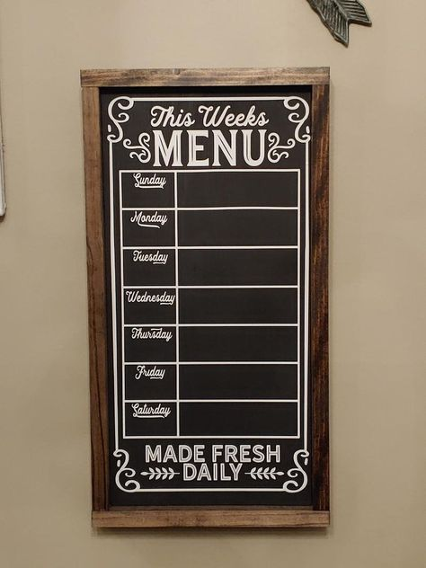 Chalk Menu, Menu Chalkboard, Kitchen Chalkboard Quotes, Planner Board, Meal Planner, Weekly Menu Boards, Kitchen Board, Kitchen Stuff, Kitchen Ideas