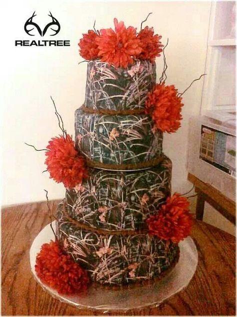 Love It Except Mossy Oak Camo Wedding Cakes Camo Wedding