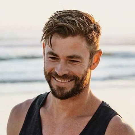 Image haircuts for men, tom hiddleston, hemsworth brothers, australian actors, chris hemsworth Mens Hairstyles With Beard, Cool Hairstyles For Men, Hair And Beard Styles, Hairstyles Haircuts, Short Hair Styles Men, Layered Hairstyles, Hair Style Of Men, Man Short Hairstyle, Beards And Hair