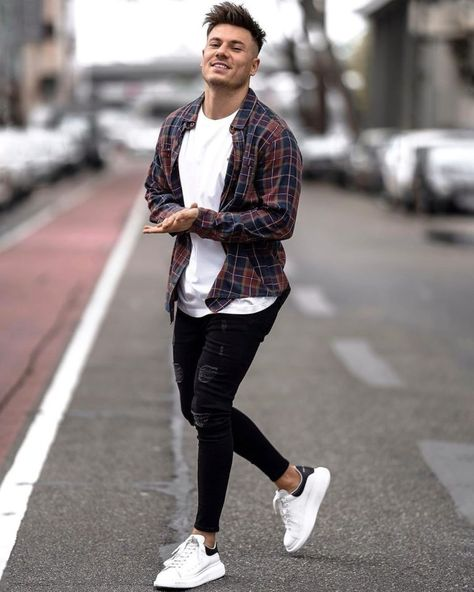 Cool Outfits For Men, Summer Outfits Men, Stylish Mens Outfits, Men's Outfits, Summer Men, Mens Fashion Outfits, Men's Fashion Sneakers, Men's Casual Outfits, Fashion Pants