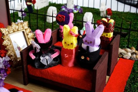 Detail of Diorama Peeps Mourn Their Peeps: Twinkie, Rest in Peeps by Leslie Brown & Lani Hoza of Charlottesville, VA