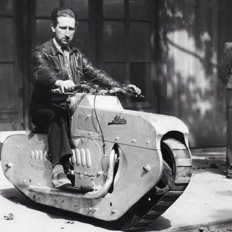 Vintage Motorcycles Now THAT is a manly motorcycle! - More memes, funny videos and pics at Vintage Bikes, Vintage Motorcycles, Cars And Motorcycles, Vintage Cars, Honda Motorcycles, Retro Cars, Motorcycle Tank, Women Motorcycle, Motorcycle Helmets