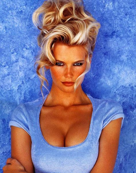 Claudia Schiffer, 2007. Or was it 1982?