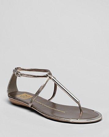 d738830a7 DV Dolce Vita Thong Flat Sandals - Archer