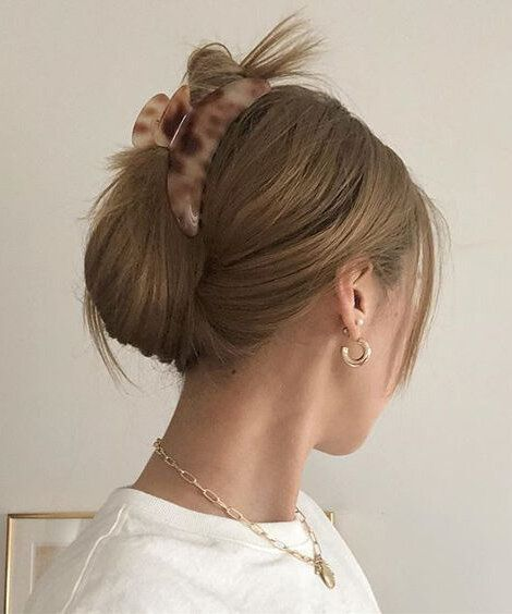 The Ultimate Guide To Claw Clips Howtowear Fashion In 2020 Hair Styles Clip Hairstyles Aesthetic Hair