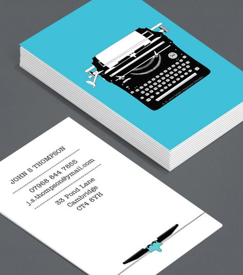 Vintage Typewriters 1: Business Cards for journalists, freelance writers, editors, copywriters, bloggers and novelists don't have to have a way with words – in fact, you can cut out the text altogether! #moocards #luxebymoo #businesscard