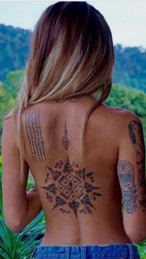 womens spine tattoos #Lowerbacktattoos - #Lowerbacktattoos #Spine #Tattoos #womens