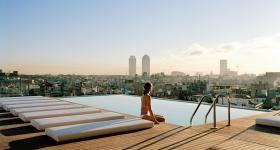 Las 10 Mejores Terrazas Con Vistas De Barcelona Terrazas Disenos De Piscina Vistas