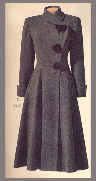 vintage coat...I love the giant buttons of three different sizes ...