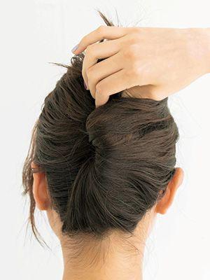 結んでねじって留めるだけ おしゃれ夜会巻きのヘアアレンジ方法 美的 Com まとめ髪 簡単 ロング 簡単 ヘアアレンジ かんざし ヘアスタイル