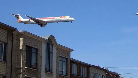 Lawaai vliegtuigen trof vorig jaar derde meer mensen - HLN.be