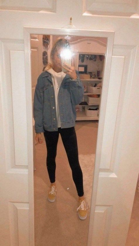 Comfy Street Style Looks That Will Make You Look Cool. Women's Fashion. jacket Outfits Comfy Street Style Looks That Will Make You Look Cool Winter School Outfits, Winter Outfits For Teen Girls, Winter Mode Outfits, Lazy Outfits, Cute Outfits For School, Cute Casual Outfits, Winter Fashion Outfits, Classic Outfits, Outfits For Teens