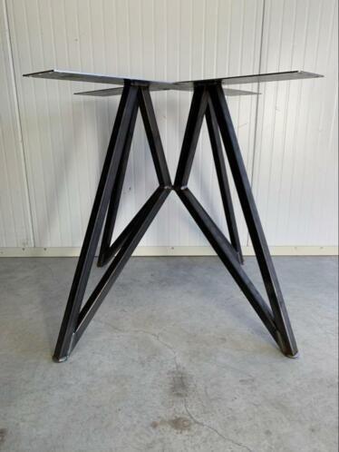 Metalen Tafelpoot Voor Ronde Tafel.Vlinderpoot Design Industrieel Moderne Tafelpoot Rond