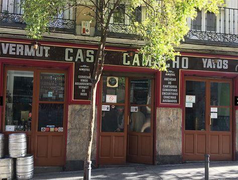 Los Mejores Bares De Toda La Vida Para Tomar Una Caña En Madrid Placeres S Moda El País Bodegas Bar Bar De Tapas