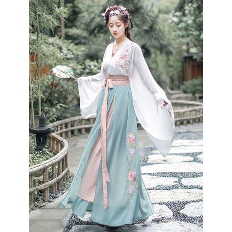 Hanfu, Fairy Princess Costume, Dynasty Clothing, Style Chinois, Mode Kimono, Japanese Outfits, Japanese Dresses, Chinese Dresses, Fairy Dress
